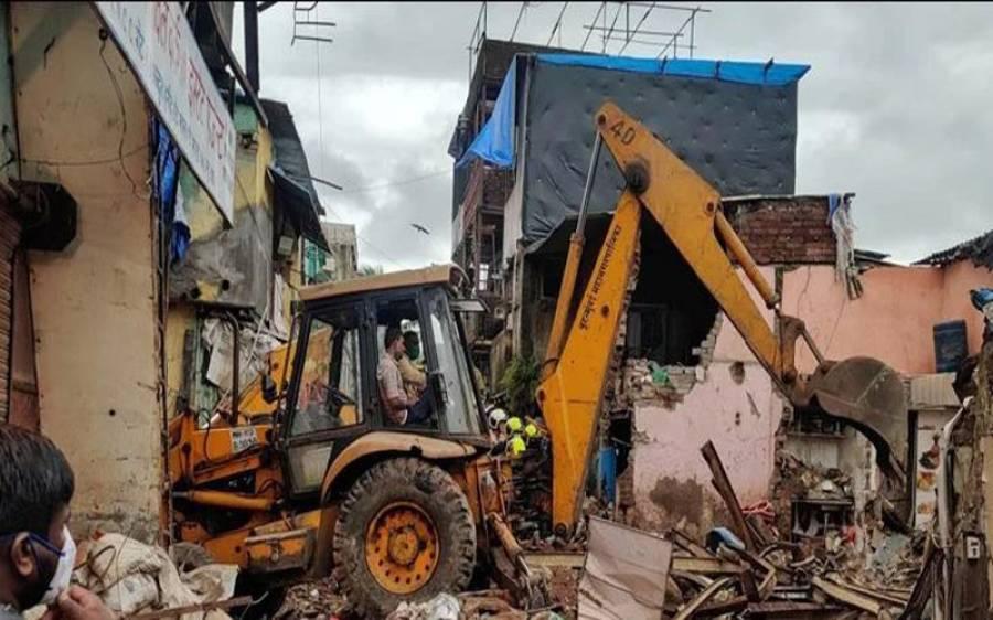 ممبئی میں رہائشی عمارت برابر والی عمارت کے اوپر گر گئی، بڑی تباہی