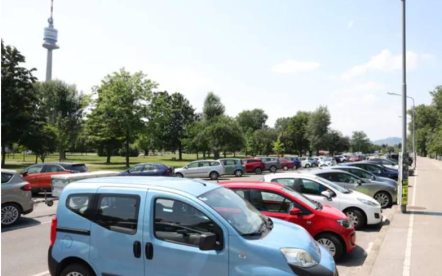 ویانا میں گاڑیاں کھڑی کرنے کے لیے پارکنگ کی قیمت ادا کرنا ہوگی