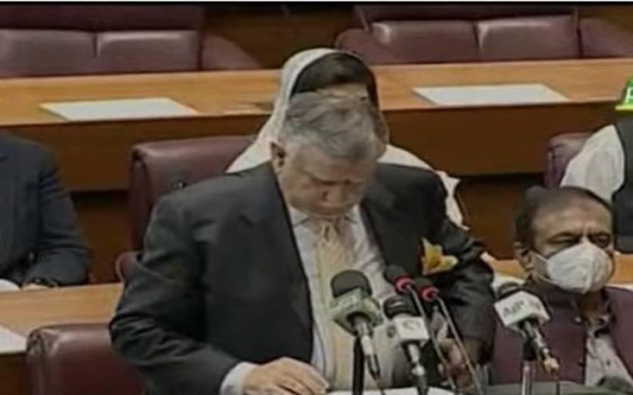 شوکت ترین نے بجٹ تقریر ختم کی تو عمران خان اپنی سیٹ سے اٹھ کر ان کے پاس گئے اور کیا کیا ؟ جانئے