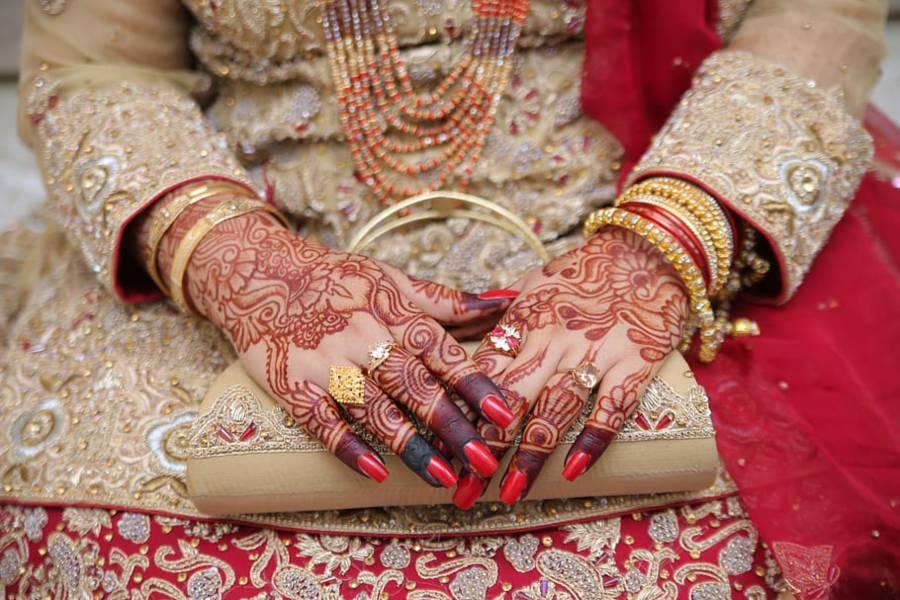 شادی کی رسومات کی ادائیگی کے دوران دلہن انتقال کر گئی لیکن پھر دولہے نے شادی کرنے کیلئے کیا کیا ؟ بھارت میں حیران کن واقعہ