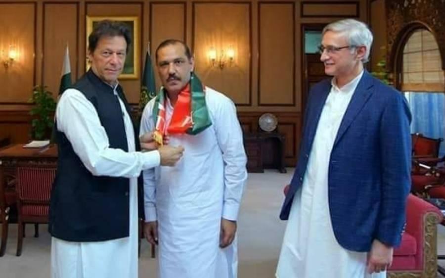 تحریک انصاف کے رہنما کی گریجویشن کی ڈگر ی جعلی نکل آئی ، حیران کن انکشاف