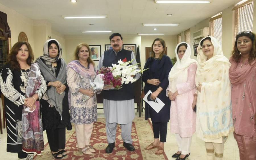 شیخ رشید نے خواتین کو پاکستانی معیشت میں شامل کرنا ناگزیر قرار دے دیا