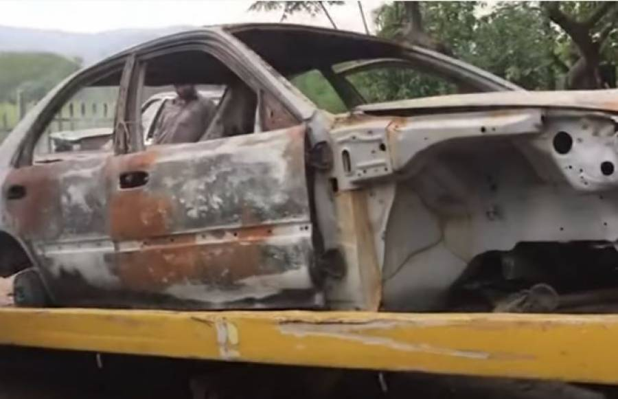 پاکستانی مکینک جو ایکسیڈنٹ میں تباہ ہونے والی گاڑیوں کو بھی نئی جیسی بنا دیتا ہے