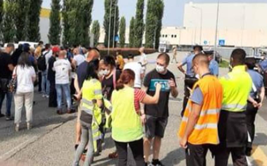 اٹلی میں ایک شخص ٹرک کے نیچے آکر ہلاک ہو گیا