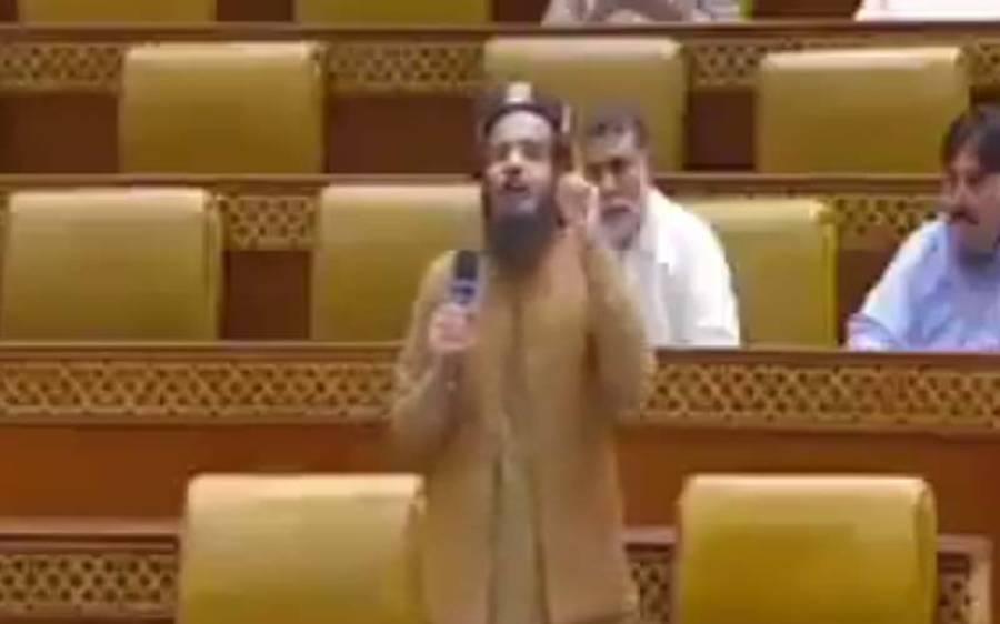معاویہ اعظم طارق کا مفتی عزیز الرحمان کو مینار پاکستان پر لٹکانے کا مطالبہ