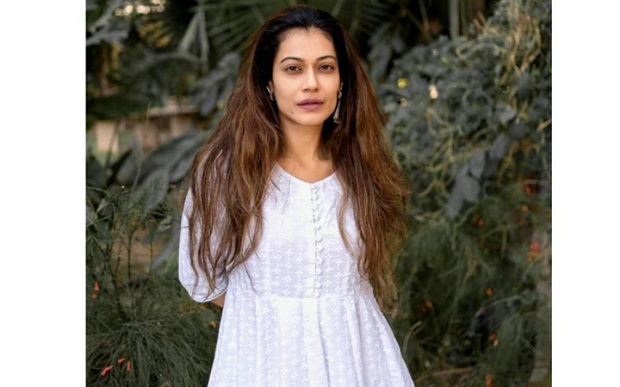 بالی ووڈ کی معروف ترین اداکارہ کو گرفتار کر لیا گیا
