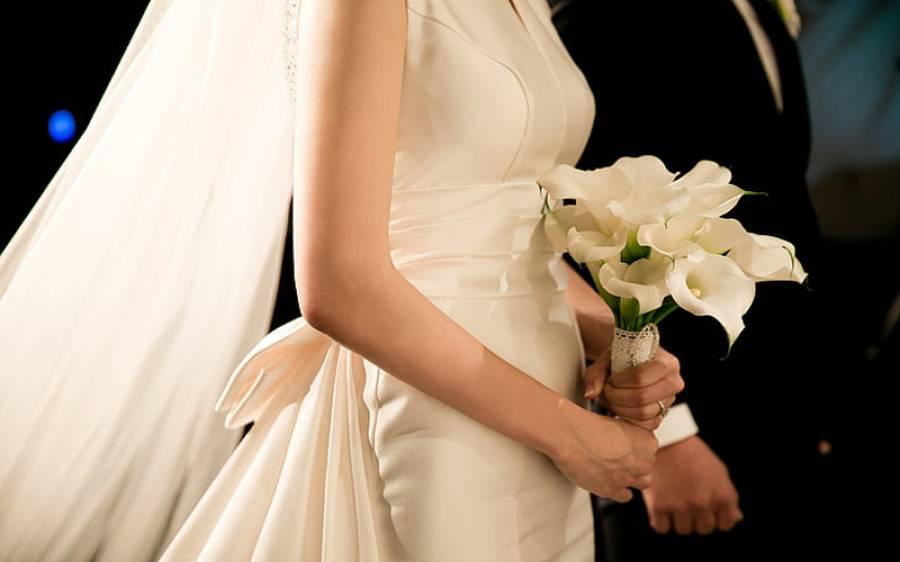 رخصتی سے کچھ گھنٹے قبل دلہن کا انتقال، کفن پر شادی کا جوڑا رکھ کر تدفین، رقت آمیز مناظر