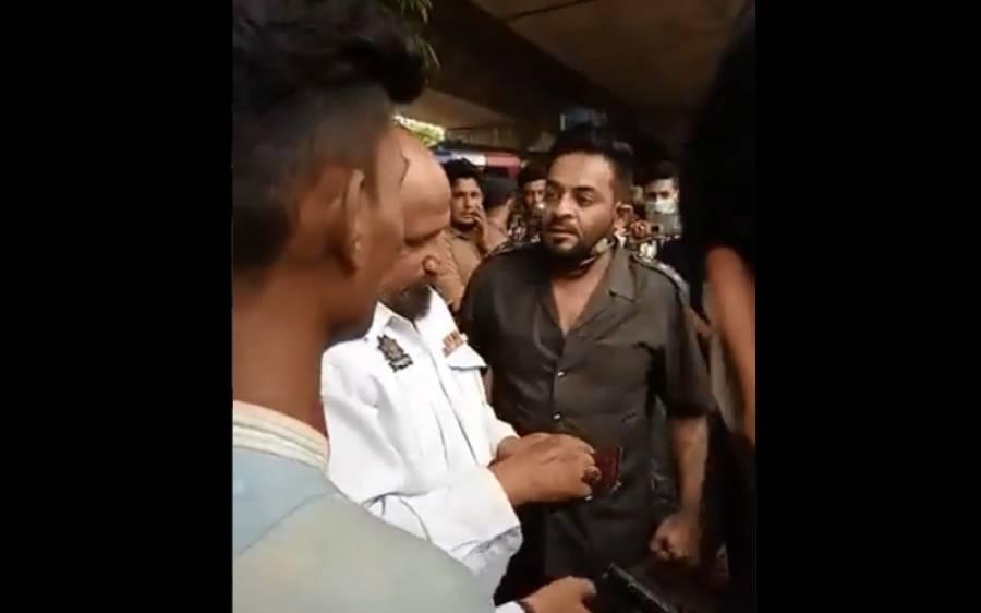 لاک ڈاؤن کی آڑ میں کراچی پولیس کی رشوت خوری، عامر لیاقت نے اہلکار کو رنگے ہاتھوں پکڑ لیا، ویڈیو سامنے آگئی