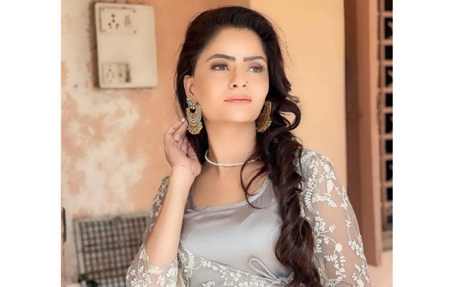 راج کندرا کے حق میں بولنے والی اداکارہ انسٹا گرام پر برہنہ ہو کر لائیو آ گئیں ،مداحوں سے کیا سوال پوچھنا شرو ع کر دیا؟