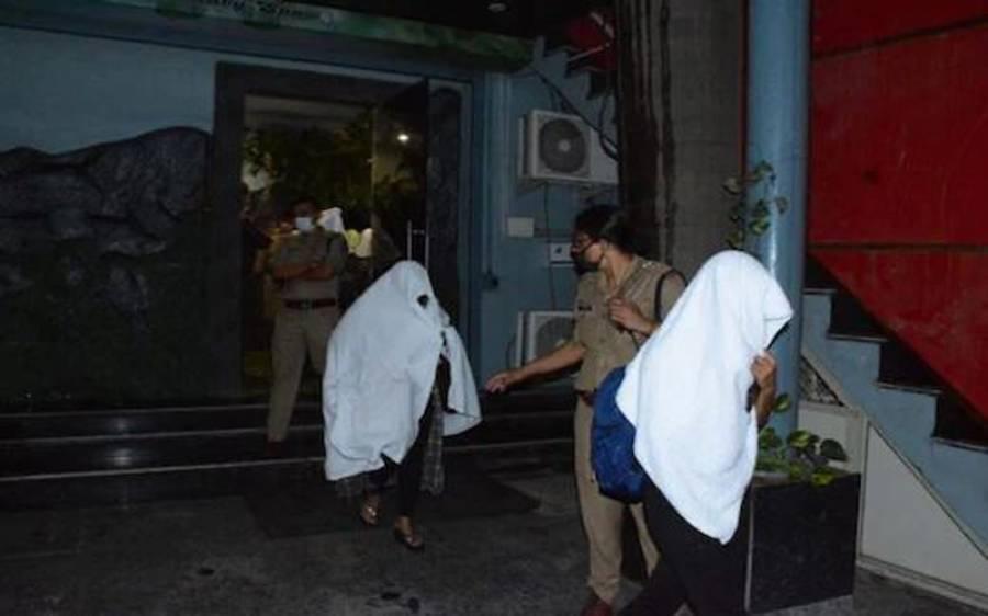 سپا سنٹر کی آڑ میں جسم فروشی، 9 لڑکیوں سمیت 11 افراد گرفتار