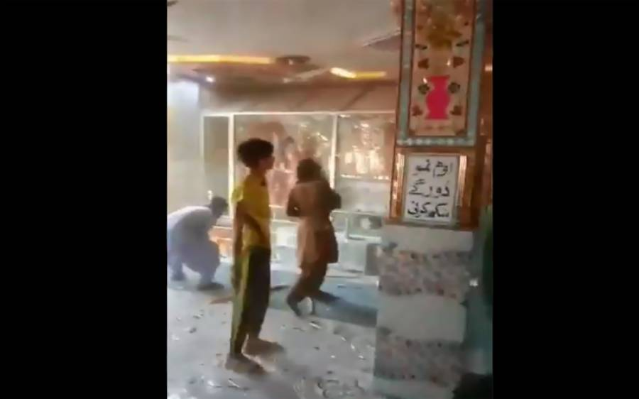 رحیم یار خان میں ہندوؤں کے مندر پر حملہ، فیس بک پر لائیو کوریج چلتی رہی، پاکستانیوں کے سر شرم سے جھک گئے