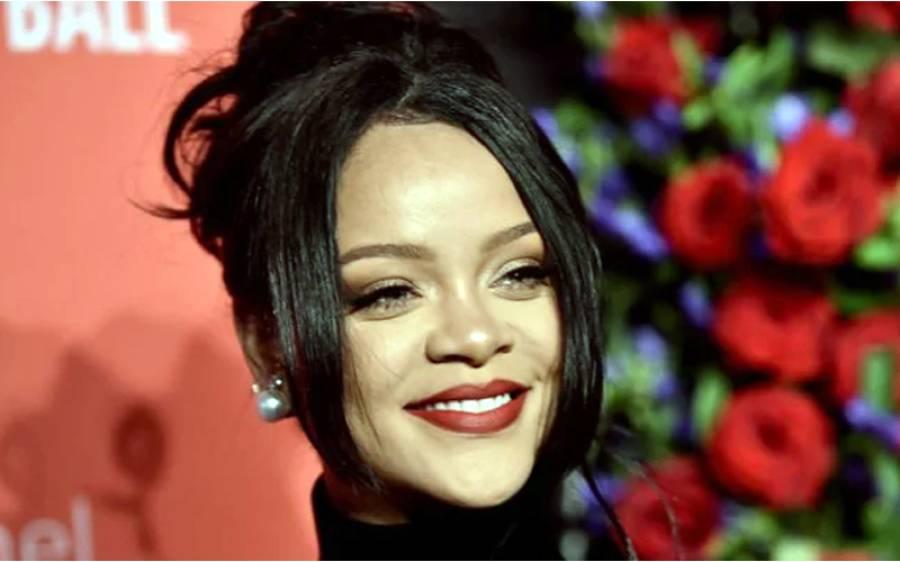 امریکی گلوکارہ ریحانہ دنیا کی امیر ترین گلوکارہ بن گئیں ، مگر یہ کمال ان کی گلوکاری کا نہیں بلکہ ۔۔۔