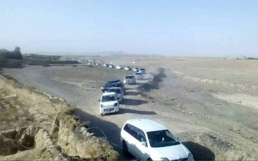 امریکی فوجیوں کے انخلا کے بعد طالبان لیڈرشپ ملا عمر کی قبر پر پہنچ گئی