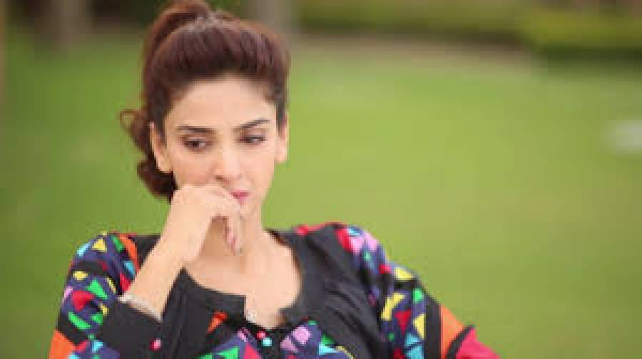 اداکارہ صباءقمر اور گلوکار بلال سعید کے وارنٹ گرفتاری جاری کر دیئے گئے