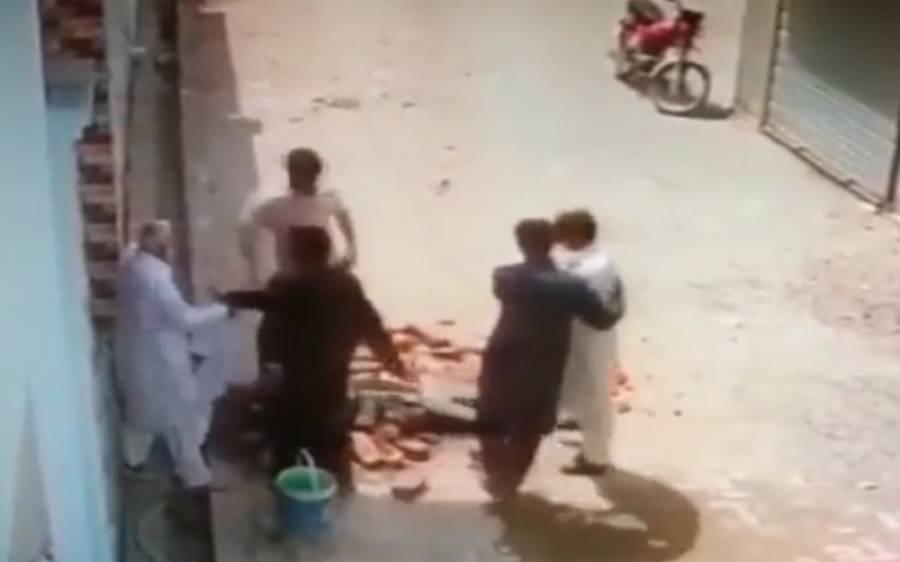 رکن پنجاب اسمبلی کے رشتہ داروں کا صحافی اعجاز وسیم باکھری کے والد پر تشدد، مقدمہ درج کرانے پر ایم پی اے کی سنگین نتائج کی دھمکیاں، آڈیو کال سامنے آگئی