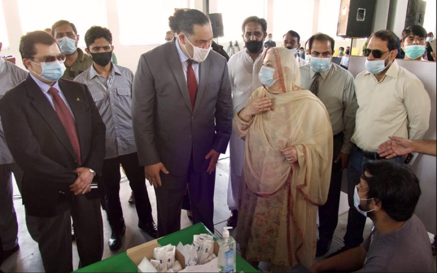 امریکی قونصل جنرل کا لاہور کیلئے فائزر ویکسین کی بھاری مقدار عطیہ کرنے کا انکشاف، جمعہ کو پہنچ گئی: ولیم کے میکانیول