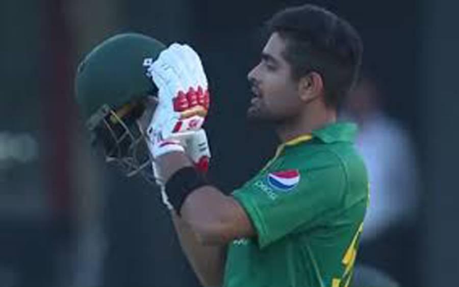 پاکستان ٹیم کا وہ کھلاڑی جو کپتان بابراعظم کو پسند آ گیا ، کھل کر تعریف کر ڈالی