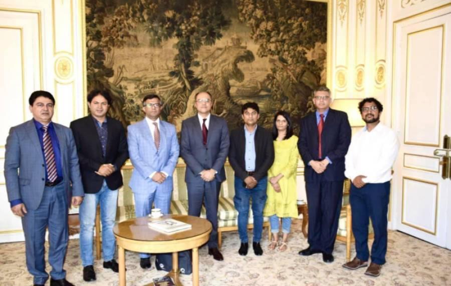 سفیر پاکستان فرانس امجد عزیز قاضی سے