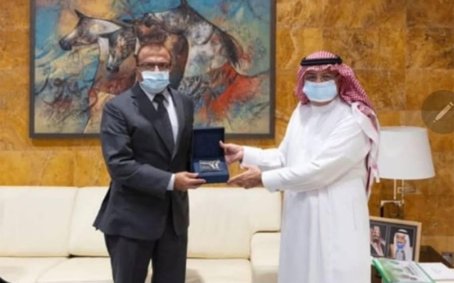 سعودی عرب میں پاکستانی سفیر کی سول ایوی ایشن جنرل اتھارٹی کے صدر سے ملاقات، سفری سہولیات پر گفتگو