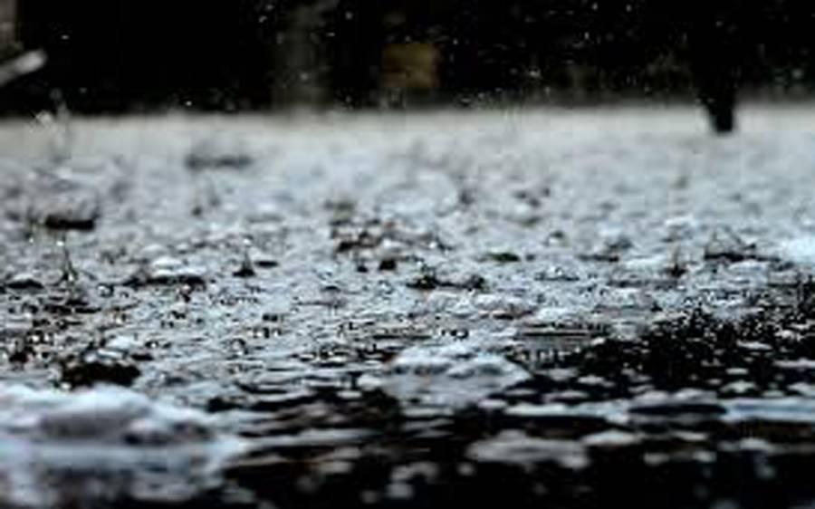 لاہور میں بارش سے موسم خوشگوار ، گرمی کا زور ٹوٹ گیا