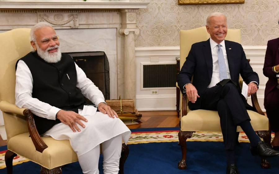 کیا امریکی صدر اور نریندر مودی رشتے دار ہیں؟جو بائیڈن سے ملاقات میں بھارتی وزیراعظم دستاویزات ساتھ اٹھا لائے