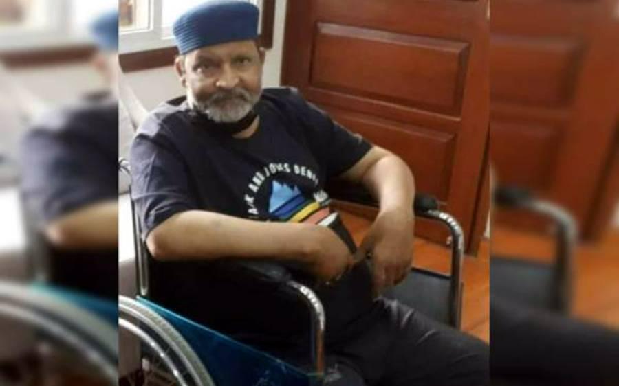 لیجنڈ اداکار عمر شریف کو لینے کیلئے ائیرایمبولینس جناح ٹرمینل کراچی پہنچ گئی