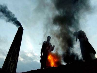 مزدوروں کا عالمی دن: خادم اعلیٰ پنجاب ،وزیراعظم پر بازی لے گئے، کم از کم ماہانہ اُجرت آٹھ کے مقابلے نو ہزار مقرر