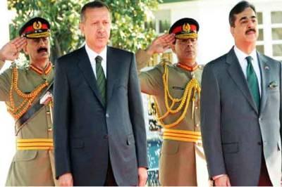 ترک وزیراعظم طیب اردگاان تین روزہ دورہ پر اسلام آباد پہنچ گئے