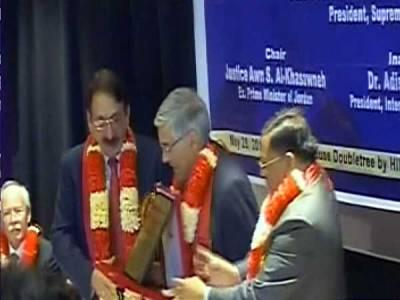 چیف جسٹس افتخار چودھری نے جیورسٹ ایوارڈ لیکر قوم کو دیدیا