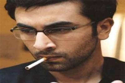 شاہ رُخ کے بعد رنبھیرکپور بھی سگریٹ نوشی پر
