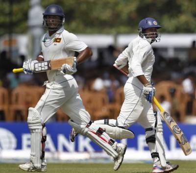 گال ٹیسٹ :پہلے دن کے اختتام پر سری لنکا نے دو وکٹوں پر 300رنز بنا لیے