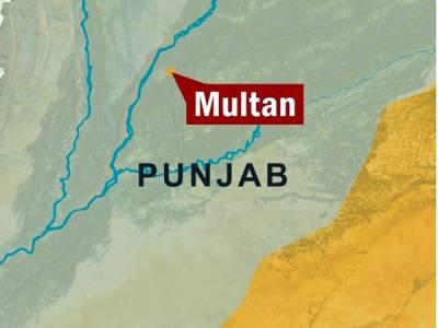 ملتان میں بنک ڈکیتی کے دوران مزاحمت پر دو افرادہلاک، ملزمان لاکھوں روپے لوٹ کر فرار