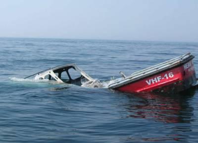 فری ٹاﺅن میں کشتی ڈوب گئی ،30افراد کی ہلاکت کا خدشہ