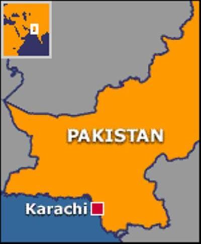 کراچی : گوادا م میں آتشزدگی ، امدادی کارروائیاں جاری