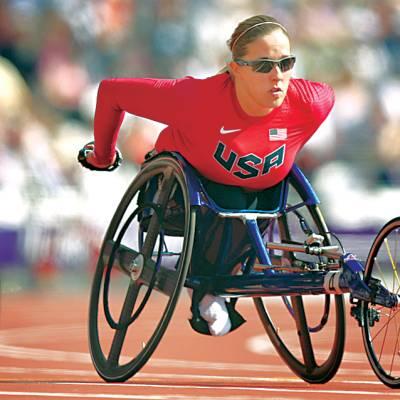 پیرا لمپک گیمز میں امریکہ کی اتھلیٹ کرسٹینا 400 میٹر ریس میں منزل کی جانب رواں دواں ہے