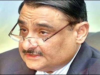 سی این جی سیکٹر کو مرحلہ وار ختم کرنے کا فیصلہ کرلیا: ڈاکٹر عاصم حسین