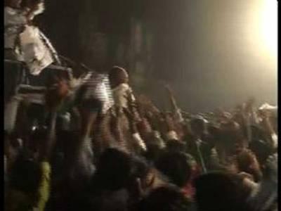تحریکِ انصاف میں بھی ہاتھا پائی کی 'عوامی جمہوریت' آگئی
