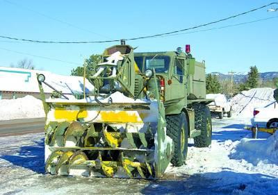واشنگٹن: سڑکوں پر جمی ہوئی برف صاف کی جا رہی ہے'امریکا میں برف کے طوفان کا رخ مشترقی ریاستوں کی طرف ہوگیا