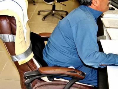 کر سی پر بیٹھے رہنا صحت کےلیے خطرناک ہو سکتا ہے :تحقیق