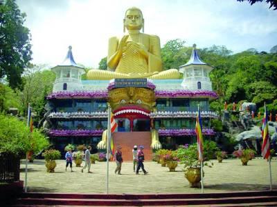 کولمبو:سری لنکا میں حکام نے بدھ مذہب کی توہین کرنے کے الزام میں ایک برطانوی سیاح کو ملک میں داخلے کی اجازت نہ دیتے ہوئے ہوائی اڈے سے ہی واپس بھیج دیا