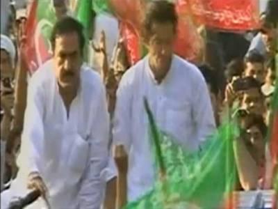 میرٹ نے تحریکِ انصاف کی 'وکٹ' اڑا دی ، عمران خان کا خاندان تقسیم