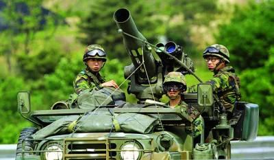 پیانگ یانگ: شمالی کورین فوجی گشت کر رہے ہیں