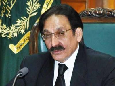 مشرف پاکستان میں ہے کسی نے کارروائی کرنی ہے توکرے ،ہر کام عدالت نے تو نہیں کرنا:چیف جسٹس