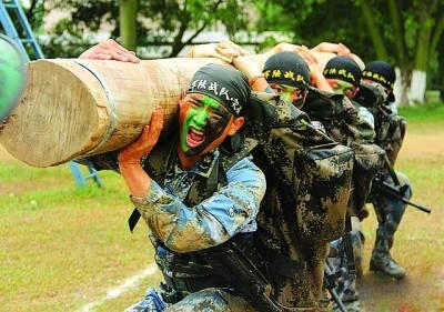 بیجنگ: چینی فوجی جنگی مشق کرر ہے ہیں