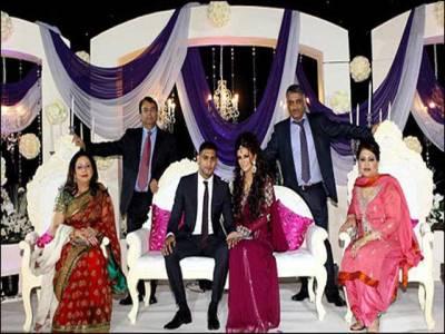 پاکستانی نژاد برطانوی باکسر عامر خان رشتہ ازدواج میں بندھ گئے