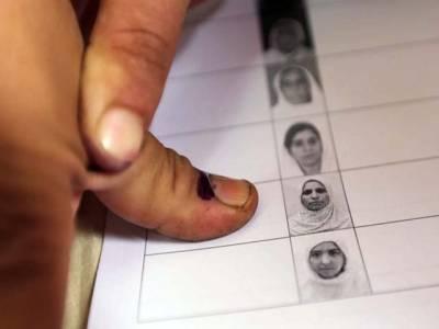 پی ایس 128کراچی کے چھ پولنگ سٹیشنوں پر ووٹنگ