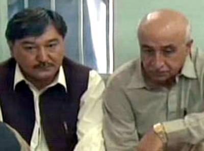 بلوچستان کے وزیراعلیٰ ڈاکٹر عبدالمالک کا ہزارہ ٹاﺅن کا دورہ، لواحقین سے اظہار تعزیت