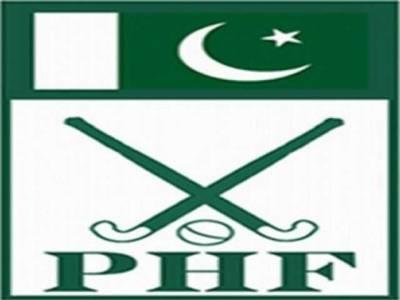 قومی ہاکی ٹیم کے کنسلٹنٹ طاہرزمان اور کوچ حنیف خان میں ٹھن گئی