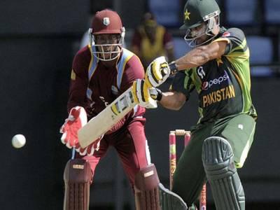 بارش سے بھیگا میچ پاکستان کے نام ، ویسٹ انڈیز کو چھ وکٹوں سے شکست