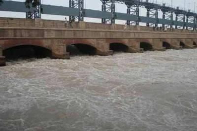 دریائے سندھ میں شگاف پڑنے سے مظفرگڑھ کے 25دیہات زیرآب